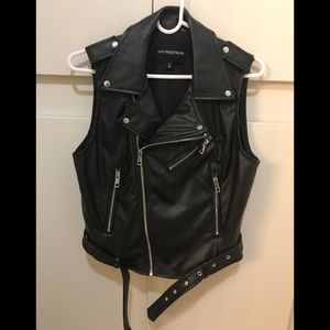 Who What Wear Black Faux Leather Chic Vest, Small